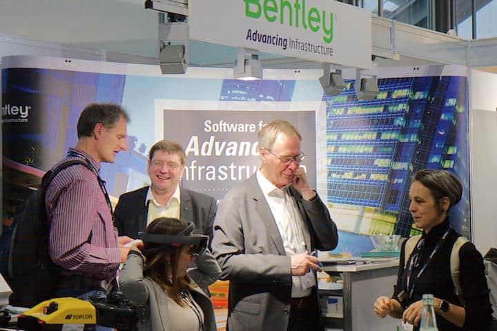 Augmented Reality meets BIM – auf dem Stand von Bentley Systems schon in die Wirklichkeit überführt